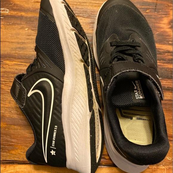 Nike Shoes | Boys Velcro Sneakers